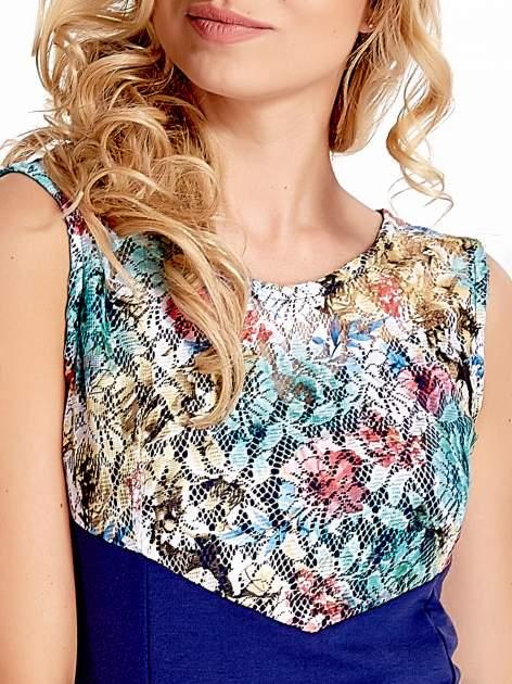 Ciemnoniebieska sukienka z kwiatową koronką                                  zdj.                                  6