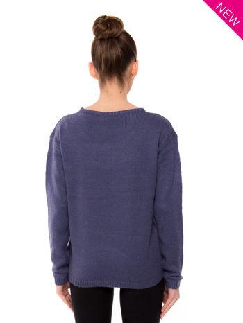 Ciemnoniebieski sweter z sercem i napisem YOU                                  zdj.                                  3