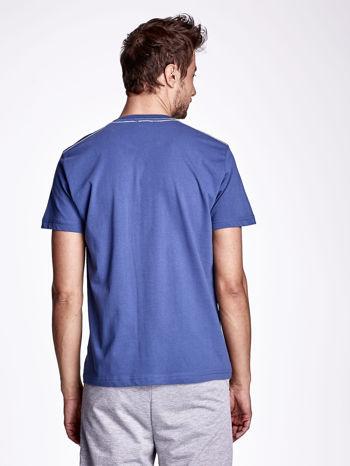 Ciemnoniebieski t-shirt męski z nadrukiem napisu THE ROCKIES                                  zdj.                                  2