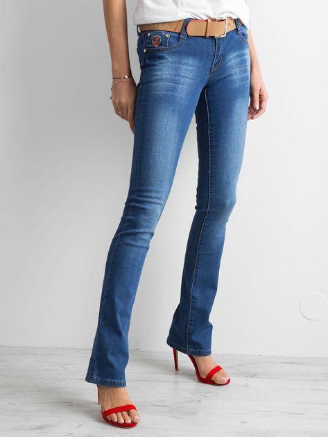 Ciemnoniebieskie jeansy boot-cut                              zdj.                              3
