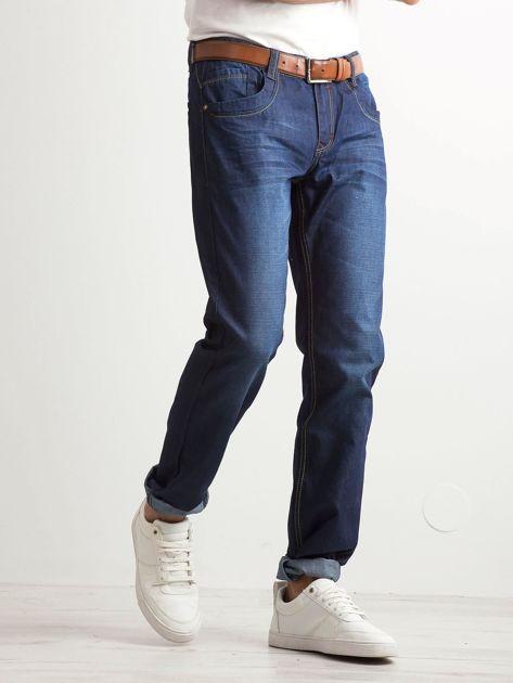 Ciemnoniebieskie klasyczne jeansy męskie                              zdj.                              3