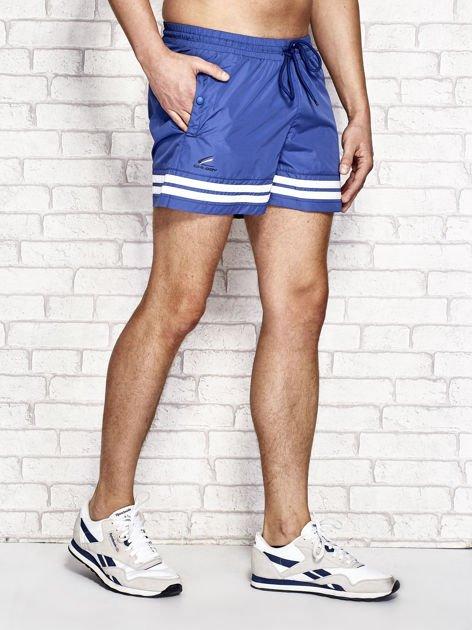 Ciemnoniebieskie męskie szorty kąpielowe w marynarskim stylu                              zdj.                              2