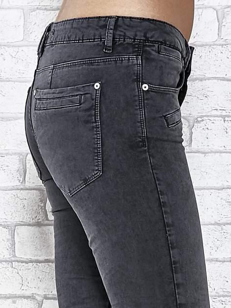 Ciemnoniebieskie skinny jeans z przeszyciami i suwakami                                  zdj.                                  5