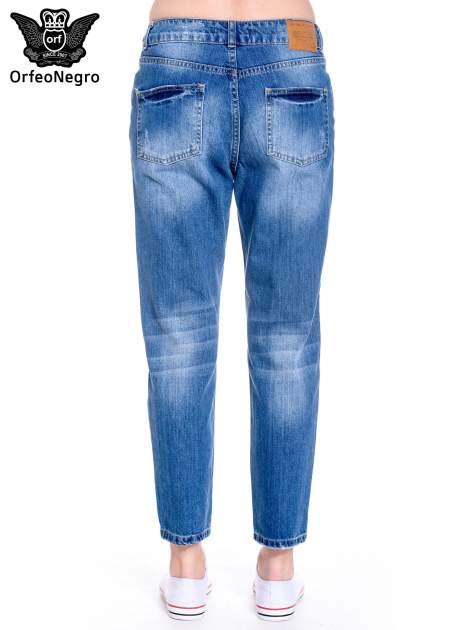 Ciemnoniebieskie spodnie boyfried jeans z dziurami                                  zdj.                                  5