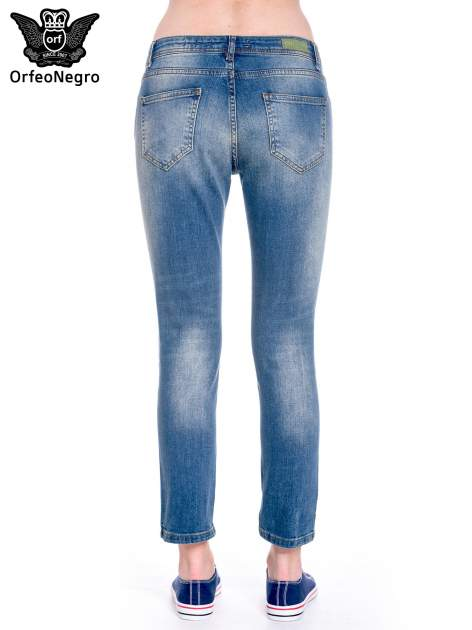 Ciemnoniebieskie spodnie girlfriend jeans z cieniowaniem                                  zdj.                                  4
