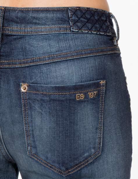 Ciemnoniebieskie spodnie jeansowe rurki z pikowanymi wstawkami                                  zdj.                                  7