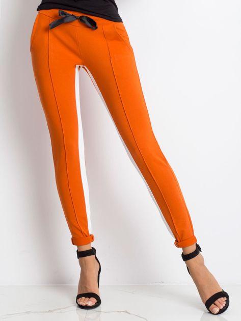 Ciemnopomarańczowe spodnie dresowe Defined                              zdj.                              1