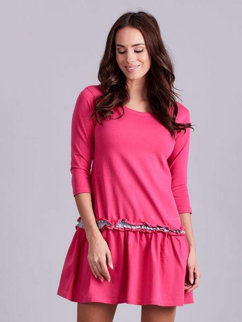 Ciemnoróżowa sukienka z kontrastową falbanką                              zdj.                              1