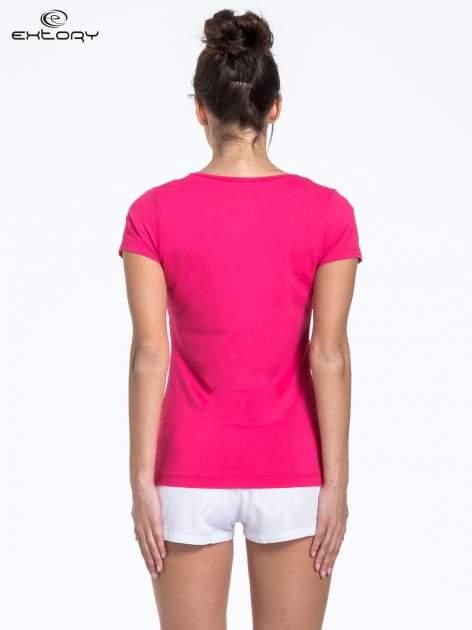 Ciemnoróżowy t-shirt sportowy basic                                  zdj.                                  3
