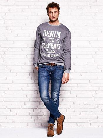 Ciemnoszara bluza męska z miejskim nadrukiem                                  zdj.                                  4