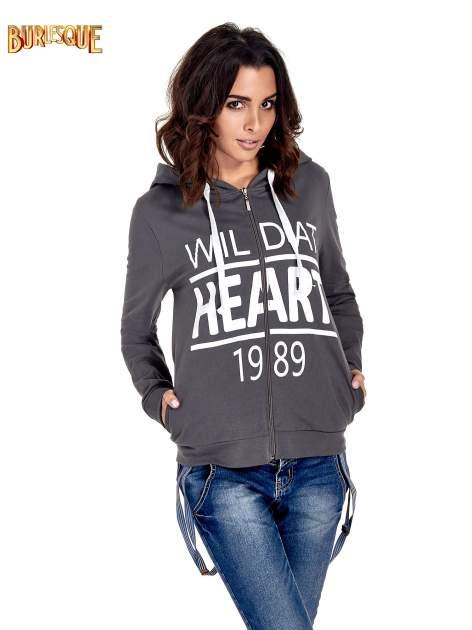 Ciemnoszara damska bluza z kapturem i napisem WILD AT HEART 1989