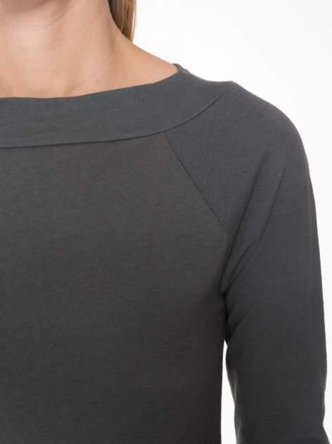 Ciemnoszara gładka bluzka z reglanowymi rękawami                                  zdj.                                  5