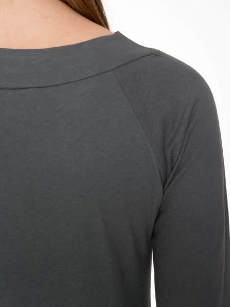 Ciemnoszara gładka bluzka z reglanowymi rękawami                                  zdj.                                  7