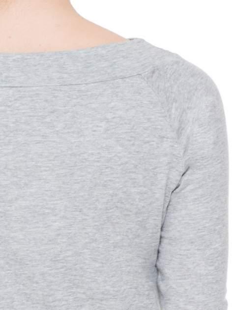 Ciemnoszara melanżowa bluzka z reglanowymi rękawami                                  zdj.                                  5