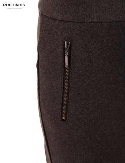 Ciemnoszare dzianinowe spodnie dzwony w kant                              zdj.                              4