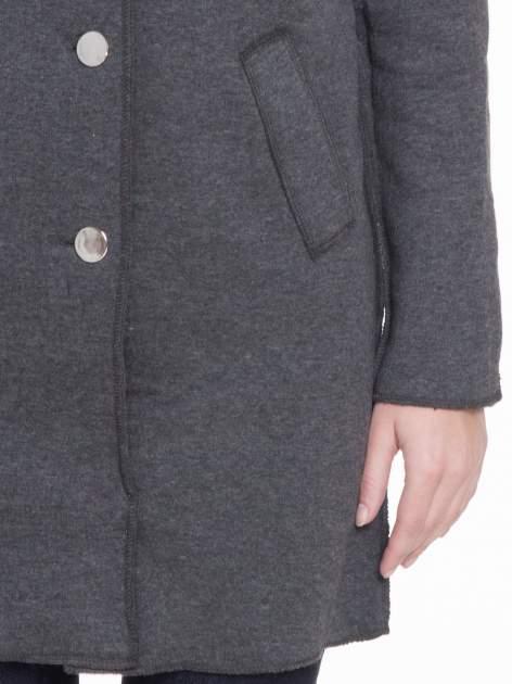 Ciemnoszary dresowy płaszcz o kroju oversize                                  zdj.                                  7