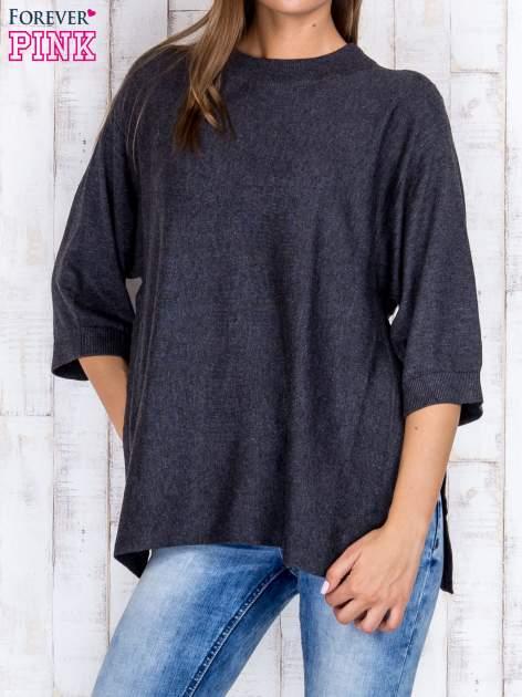 Ciemnoszary luźny sweter oversize z bocznymi rozcięciami                                  zdj.                                  1