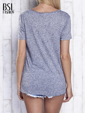 Ciemnoszary melanżowy t-shirt z okrągłym dekoltem                                  zdj.                                  5