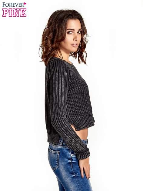 Ciemnoszary sweter cropped z rozporkami                                  zdj.                                  3