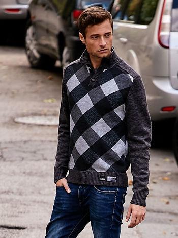 Ciemnoszary sweter męski w kratę
