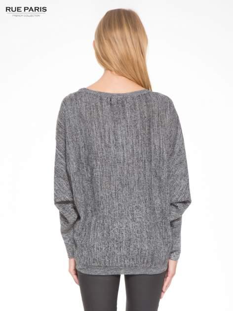 Ciemnoszary sweter z nietoperzowymi rękawami                                  zdj.                                  4