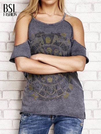 Ciemnoszary t-shirt cut out shoulder z azteckim nadrukiem                                  zdj.                                  1