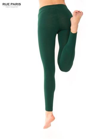 Ciemnozielone legginsy bawełniane z gumką w pasie                                  zdj.                                  1