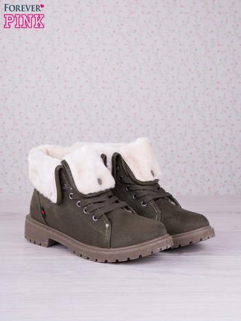 Ciemnozielone sznurowane botki eco leather Chill z futrzanym kołnierzem i krótką cholewką                                  zdj.                                  2