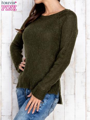 Ciemnozielony dzianinowy sweter o szerokim splocie                                  zdj.                                  3