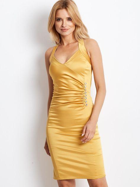 Ciemnożółta satynowa sukienka z koronkową wstawką z tyłu                              zdj.                              1