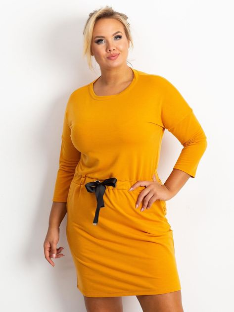 Ciemnożółta sukienka plus size Lyric                              zdj.                              3