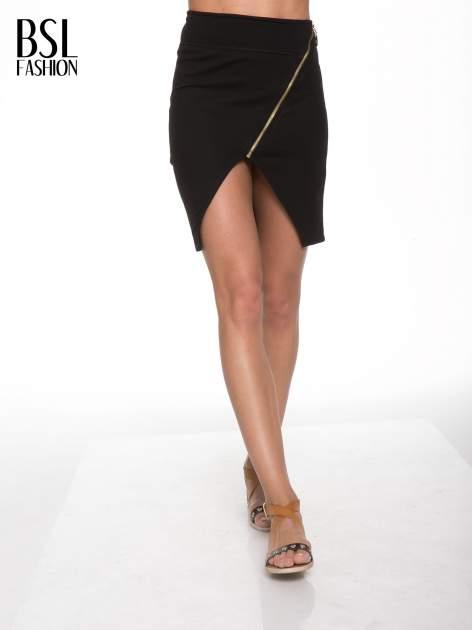 Czarna asymetryczna spódnica ze złotym zamkiem                                  zdj.                                  1