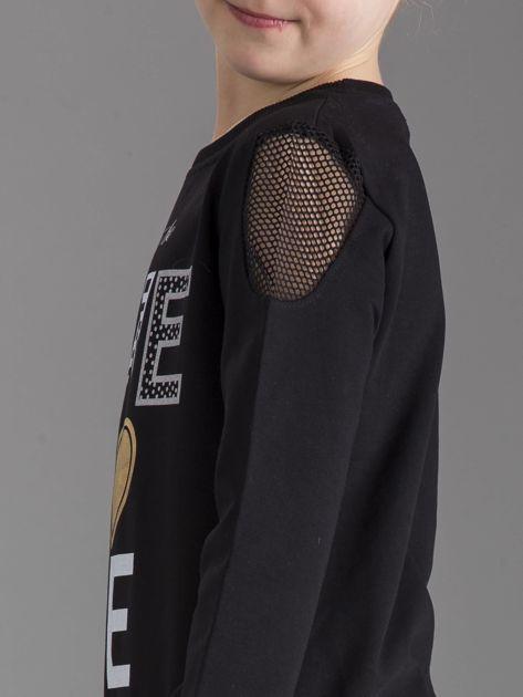 Czarna bluza dla dziewczynki z nadrukiem                              zdj.                              3