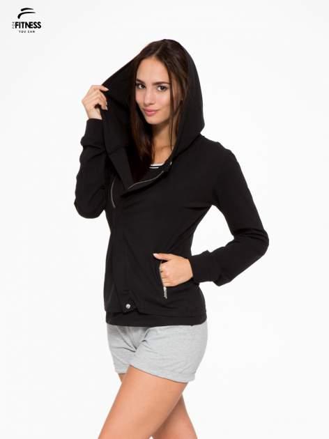 Czarna bluza dresowa z asymetrycznym suwakiem i kapturem                                  zdj.                                  6