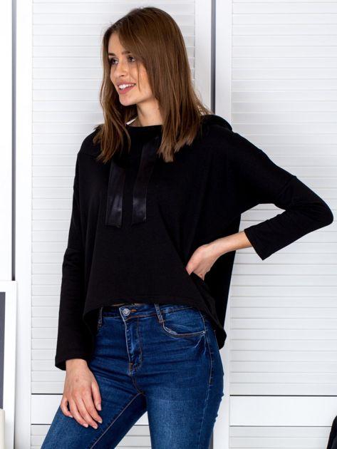 Czarna bluza z kapturem i wstążką                                  zdj.                                  3