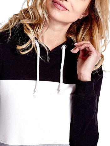 Czarna bluza z kapturem z białym i szarym wykończeniem                                  zdj.                                  6