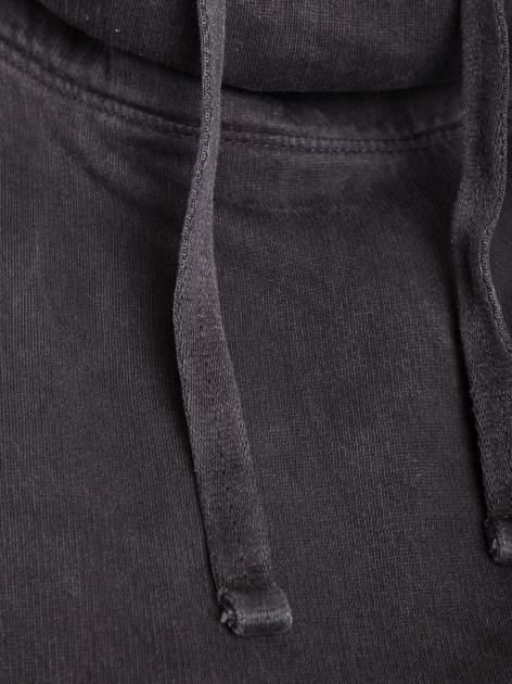 Czarna bluza z kapturem z efektem sprania                                  zdj.                                  2