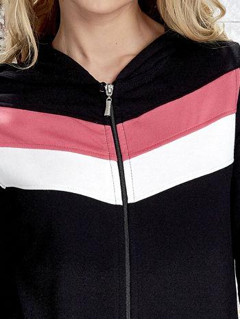 Czarna bluza z kapturem z kolorowymi przeszyciami                                  zdj.                                  6