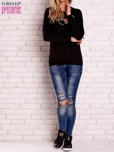 Czarna bluza z kolorowymi naszywkami                                  zdj.                                  2