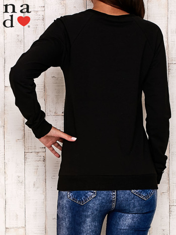 Czarna bluza z motywem Wieży Eiffla                                  zdj.                                  5