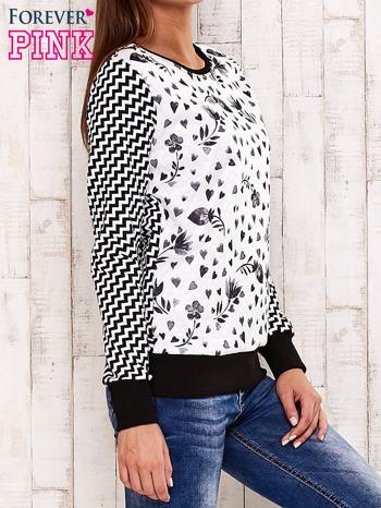 Czarna bluza z motywem serduszek i geometrycznym tyłem                                  zdj.                                  3