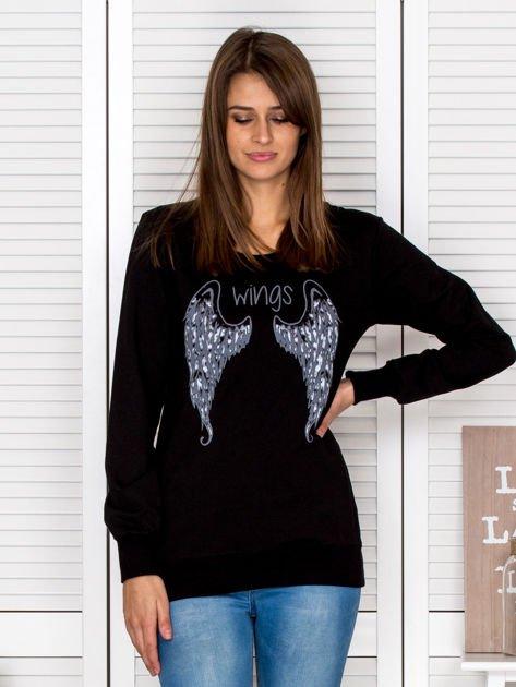 Czarna bluza ze skrzydłami