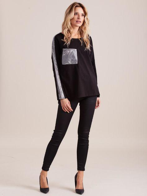 Czarna bluzka oversize ze srebrnymi wstawkami                              zdj.                              4