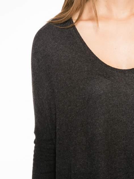 Czarna bluzka z asymetrycznym cięciem na dole                                  zdj.                                  6