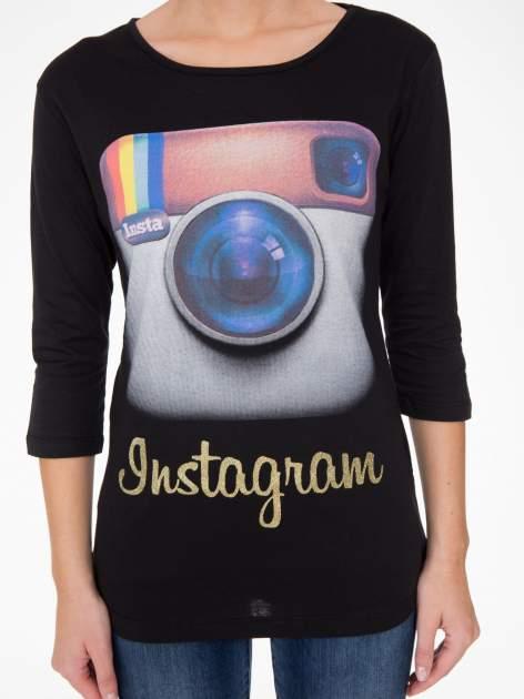 Czarna bluzka z nadrukiem loga Instagrama                              zdj.                              6