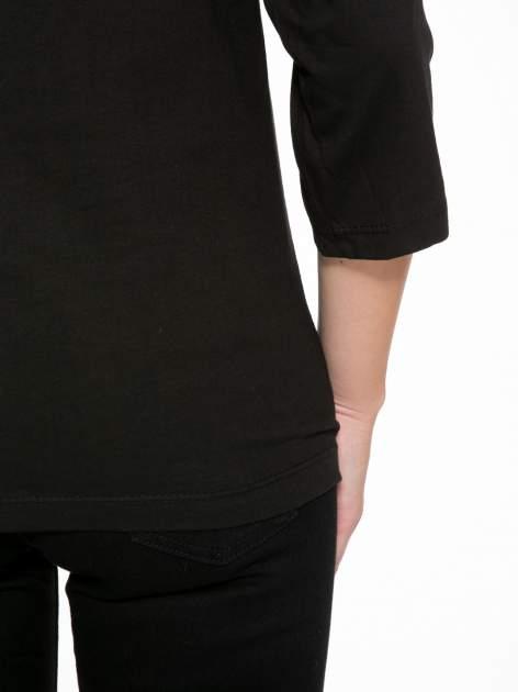 Czarna bluzka z nadrukiem tygrysa i napisem THE NEW COLOURS ARE BLACK                                  zdj.                                  7