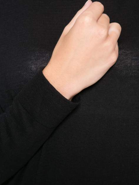 Czarna bluzka z obniżoną linią ramion                                  zdj.                                  8