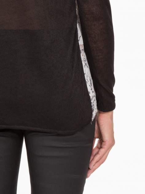 Czarna bluzka z reglanowymi rękawami i kwiatowym przodem                                  zdj.                                  9