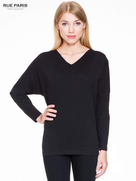Czarna bluzka z wiązanym oczkiem z tyłu                                  zdj.                                  1