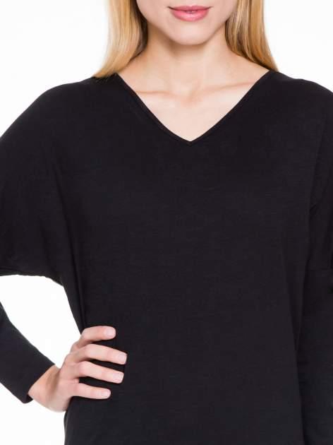 Czarna bluzka z wiązanym oczkiem z tyłu                                  zdj.                                  5